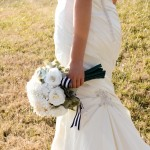 bride and bouquet_white &amp; green 2