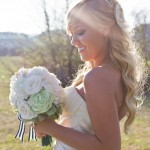 bride and bouquet_white & green 3